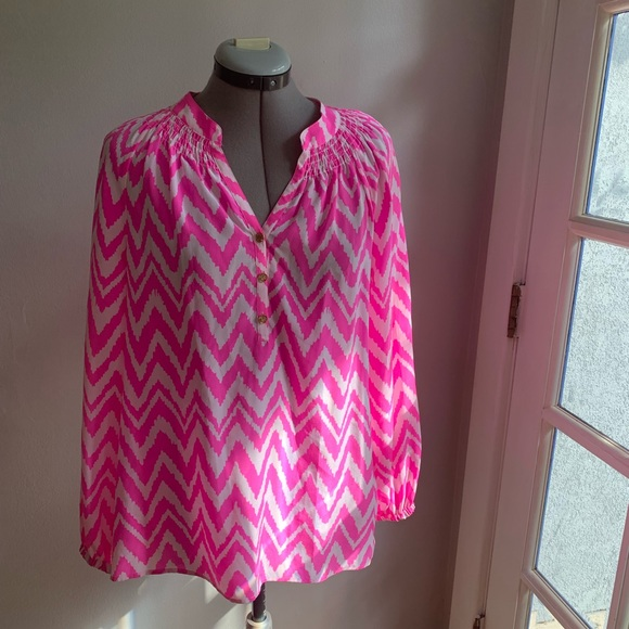 Lilly Pulitzer Tops - Lilly Pulitzer Elsa blouse pink chevron, Sz S